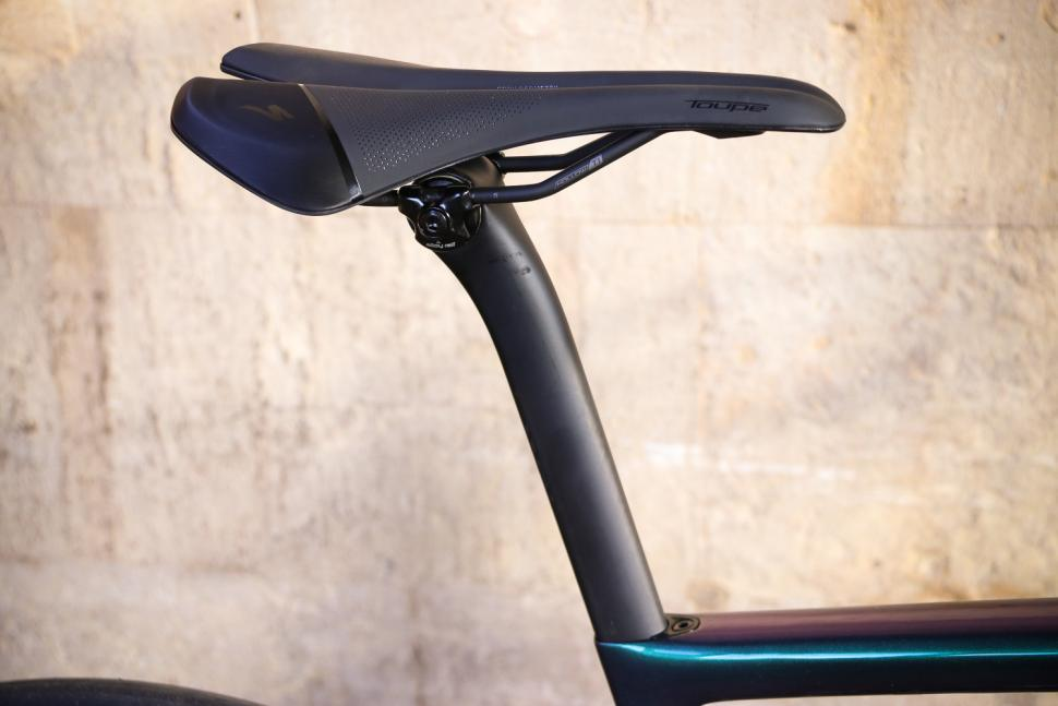 Specialized Tarmac SL 6 Pro - saddle and post.jpg