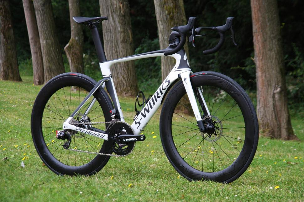 Specialized Venge ViAS Disc Etap - full bike.jpg