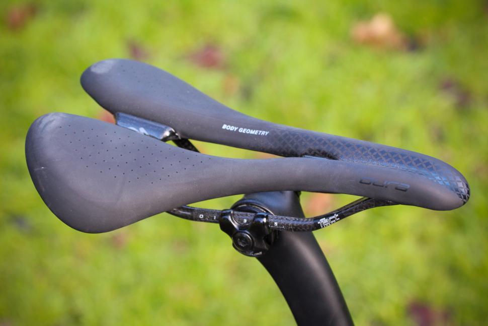 Specialized Womens Tarmac SL6 - saddle.jpg