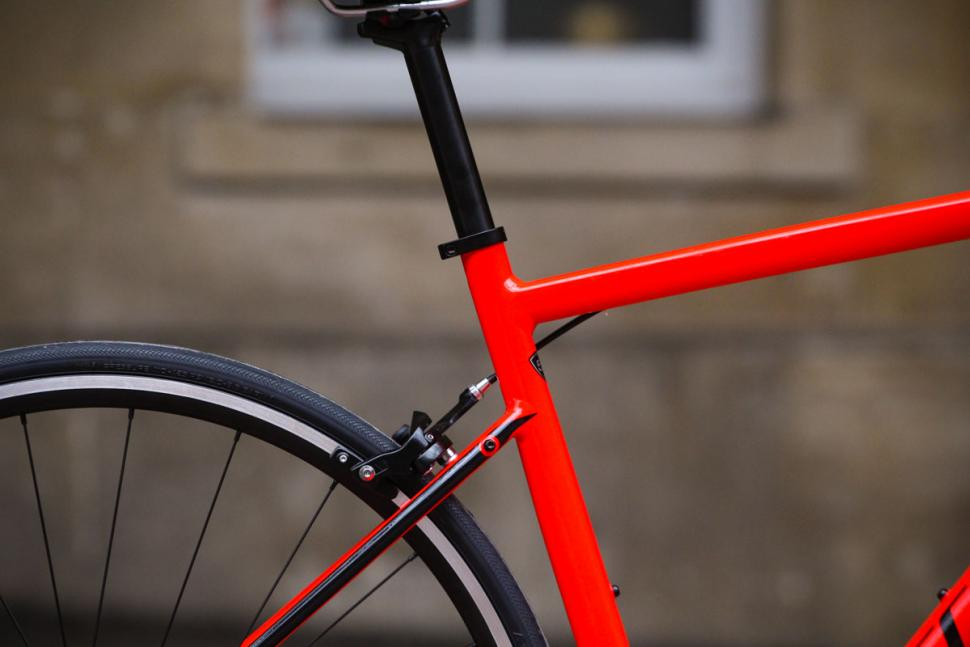 specialized_allez_-_seat_tube_junction.jpg