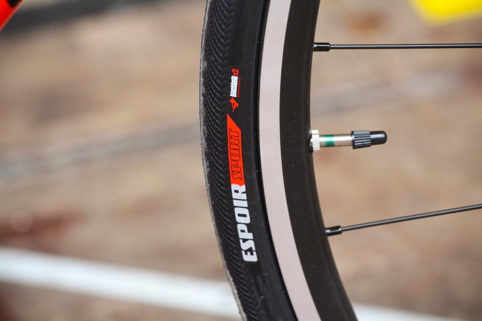 specialized_allez_-_tyre.jpg