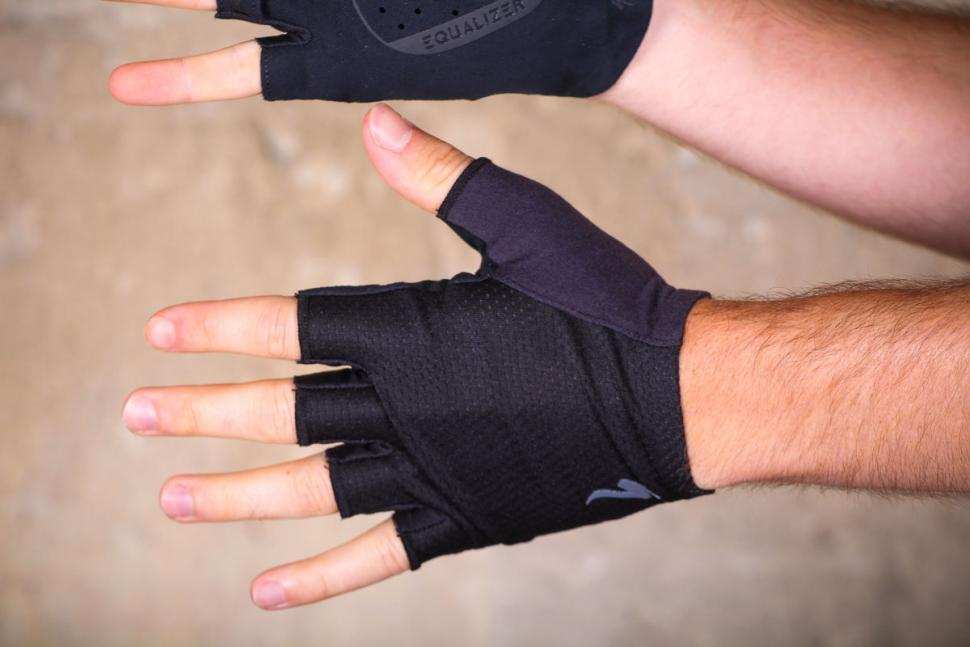 specialized_grail_gloves_-_top.jpg