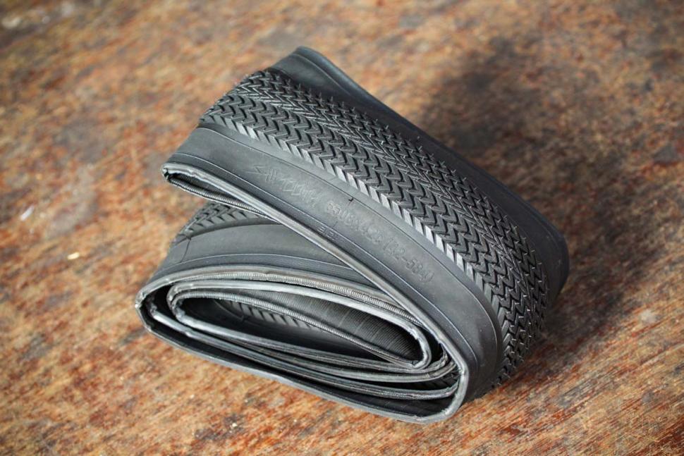 specializedsawtooth2blissreadytires-folded
