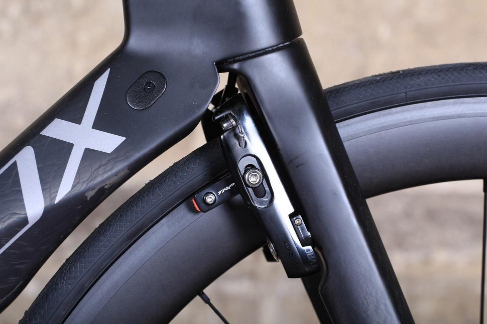 SpeedX Leopard Pro - front brake.jpg