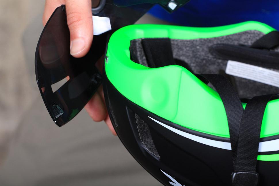 Spiuk Obuss Helmet - visor magnet.jpg