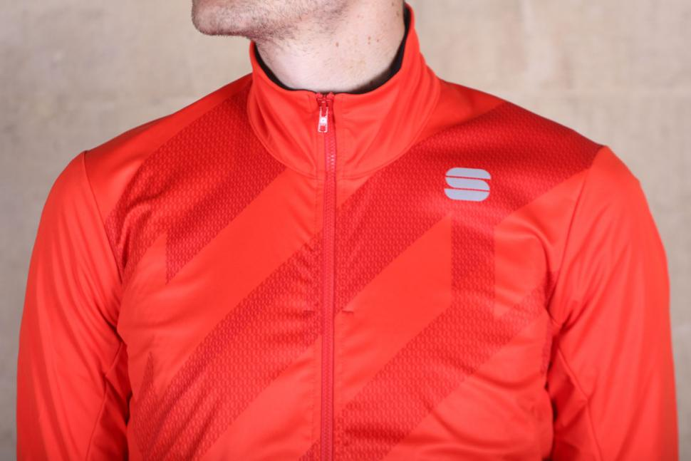 Sportful Attitude Jacket - chest.jpg