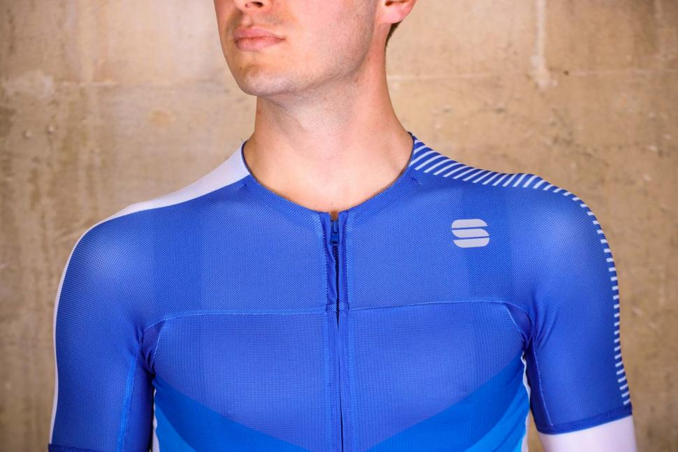 Sportful Bodyfit Pro 2.0 Evo Jersey - chest.jpg