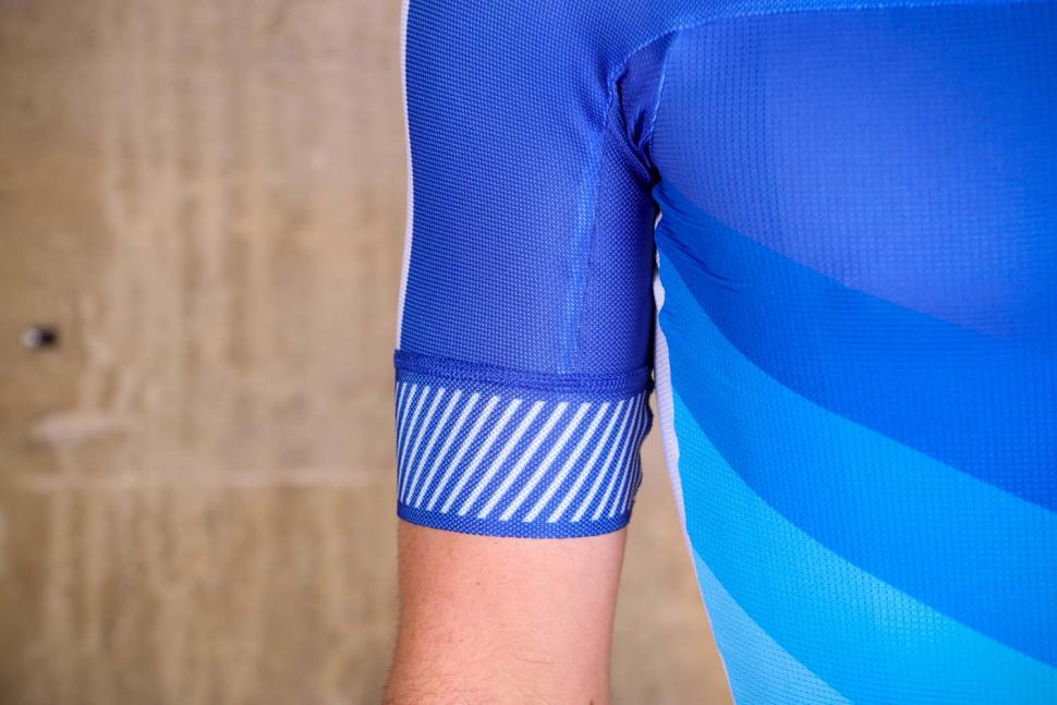 Sportful Bodyfit Pro 2.0 Evo Jersey - cuff.jpg