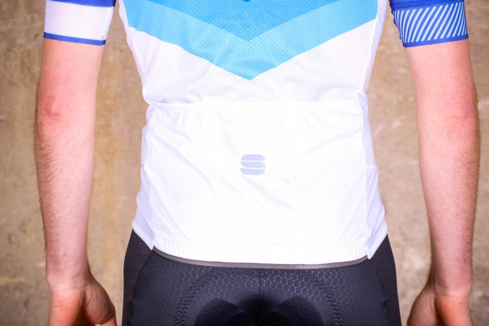 Sportful Bodyfit Pro 2.0 Evo Jersey - pockets.jpg