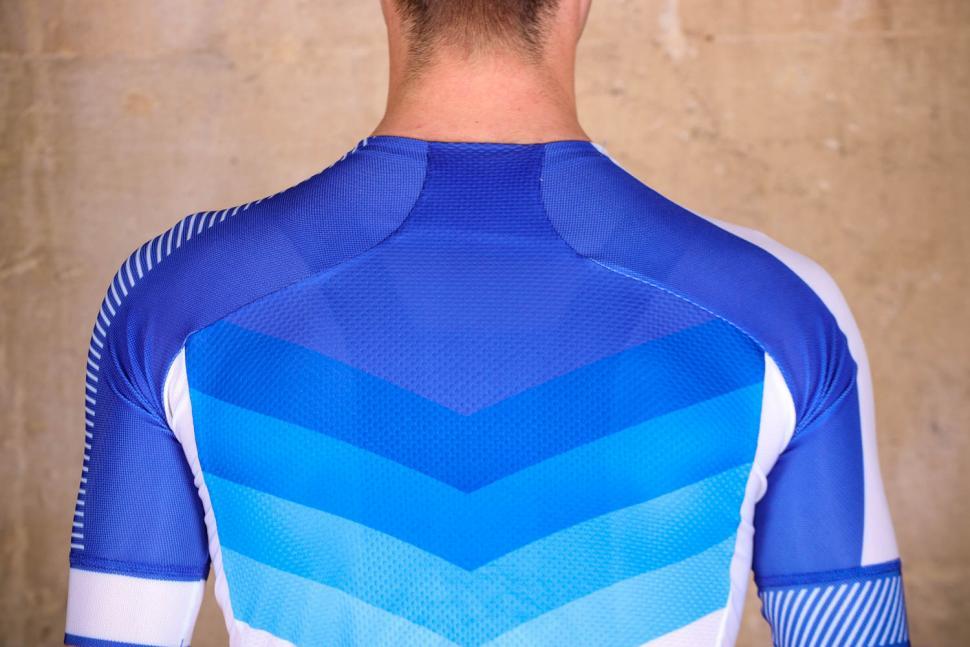 Sportful Bodyfit Pro 2.0 Evo Jersey - shoulders.jpg