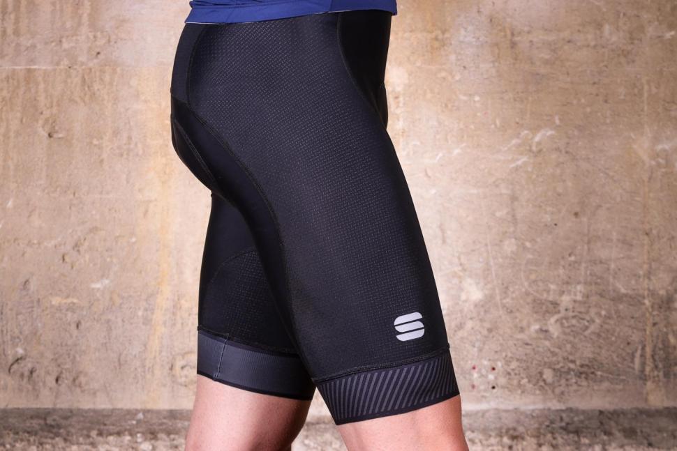 Sportful Bodyfit Pro 2.0 LTD Bibshort - side.jpg