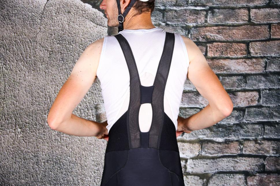 Sportful Bodyfit Pro Bibtight - rear straps.jpg