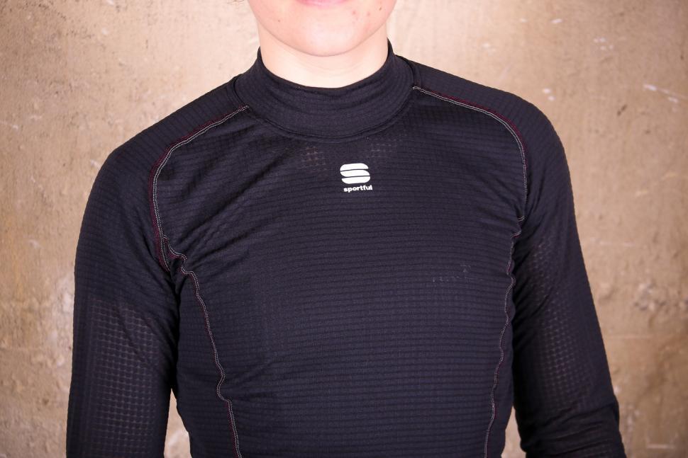 Sportful Bodyfit Pro W Base Layer LS - chest.jpg