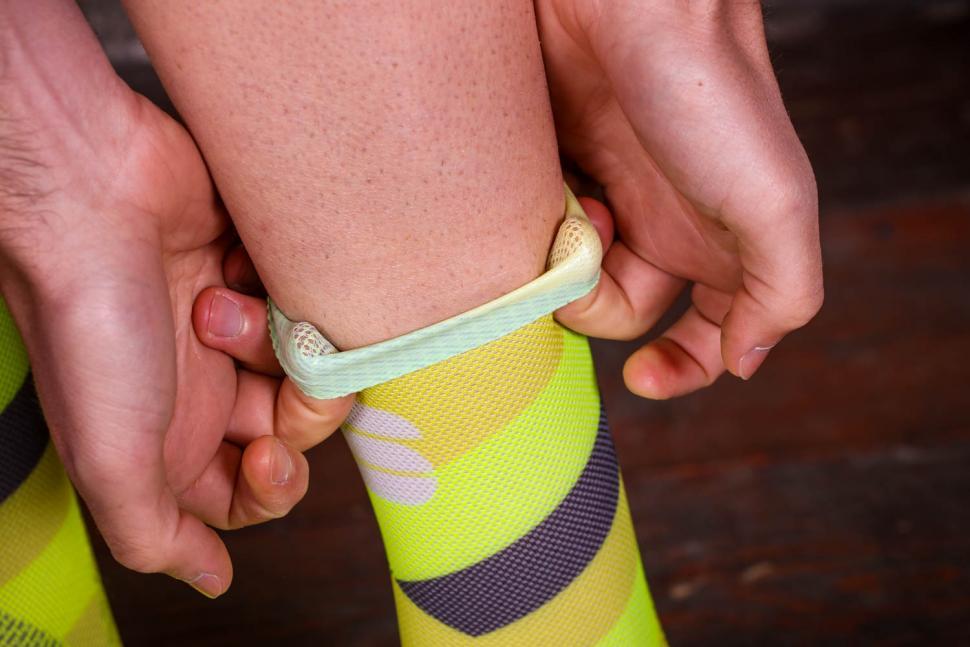 Sportful Bodyfit Team 15 Socks - cuff.jpg