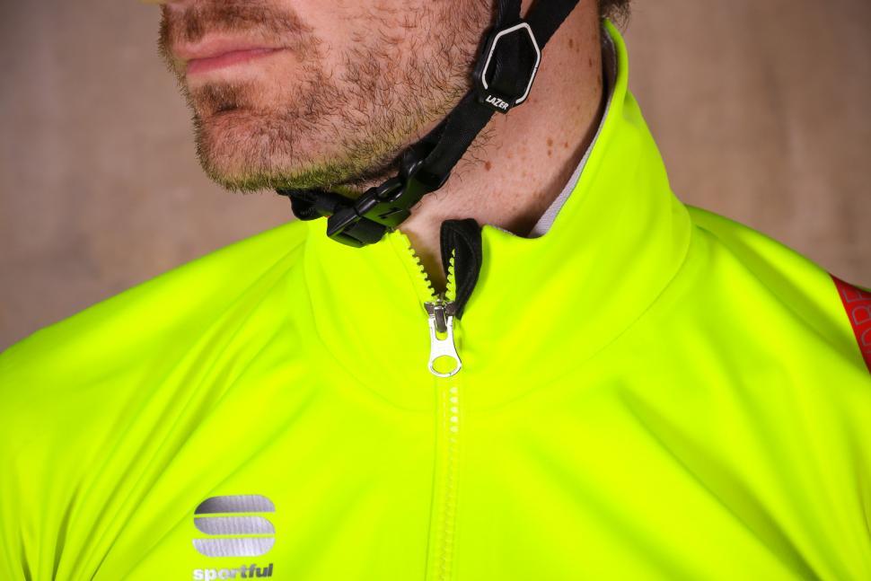 Sportful Fiandre Extreme Jacket - collar.jpg
