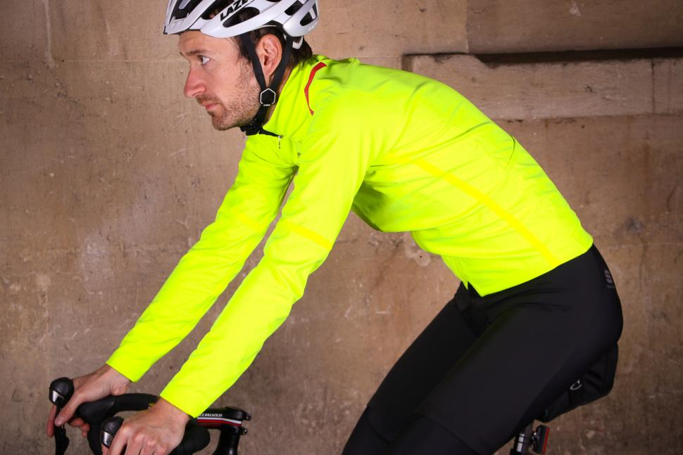 Sportful Fiandre Extreme Jacket - riding.jpg
