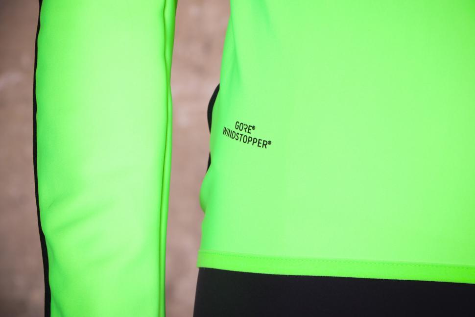 Sportful Fiandre Light Wind Jacket - Gore Windstopper.jpg