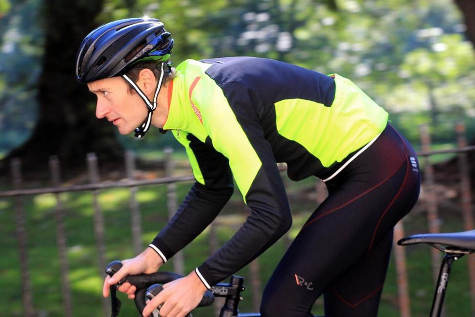 Sportful Fiandre No-Rain Jacket - riding.jpg
