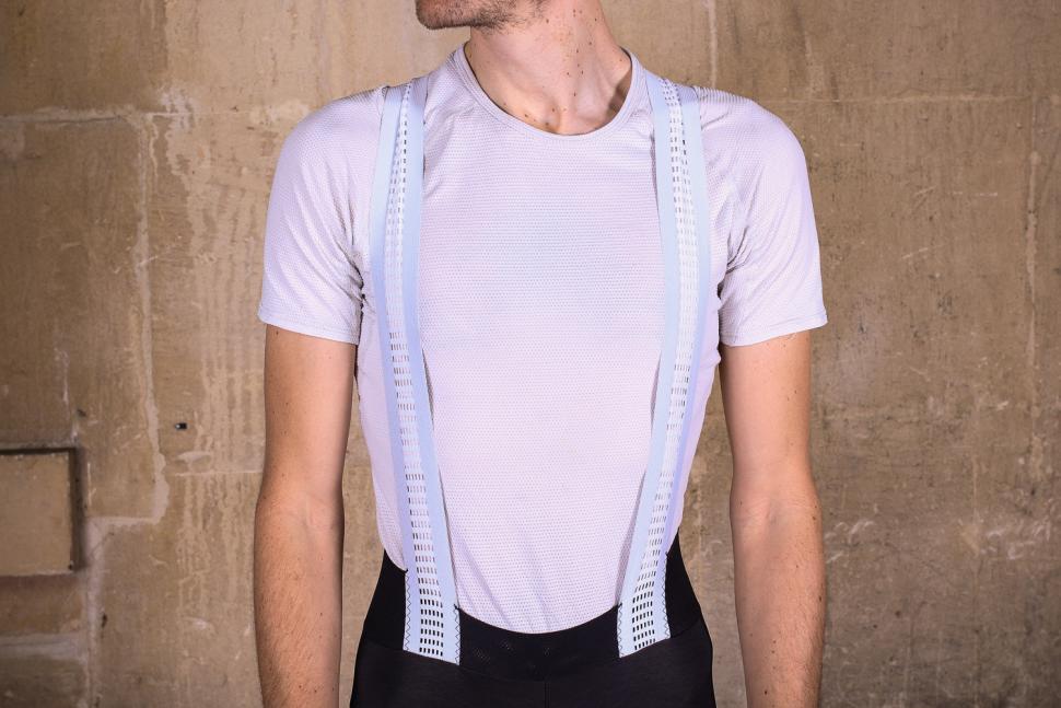 Sportful Fiandre Norain Pro bib shorts - straps front.jpg