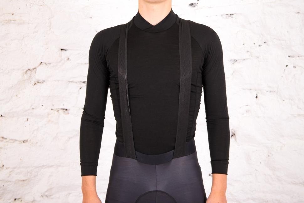 Sportful Fiandre NoRain Pro bib shorts - straps front_.jpg
