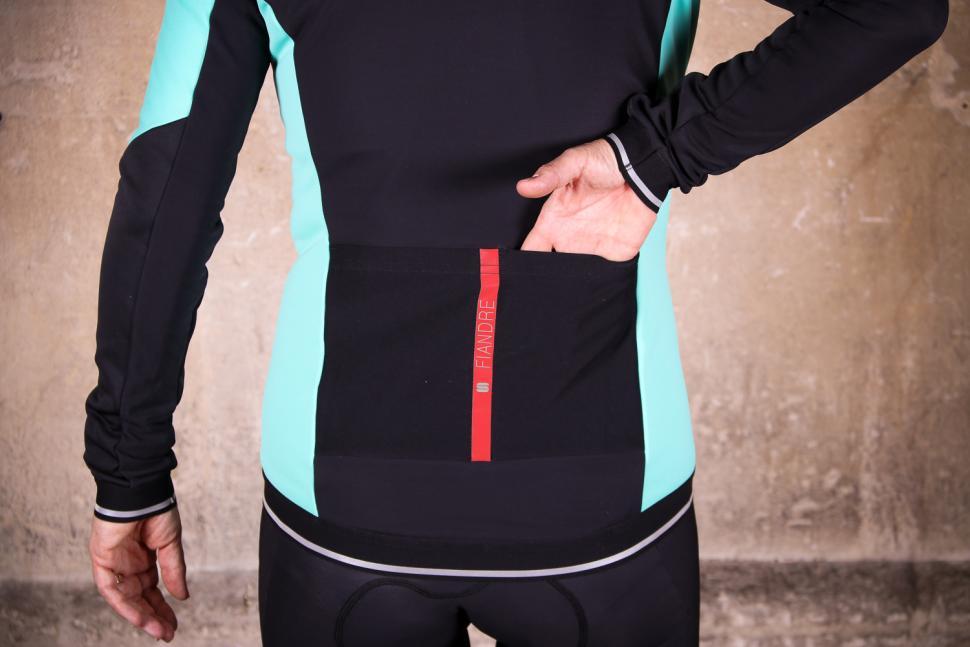 Sportful Fiandre Norain W Jacket - pockets.jpg