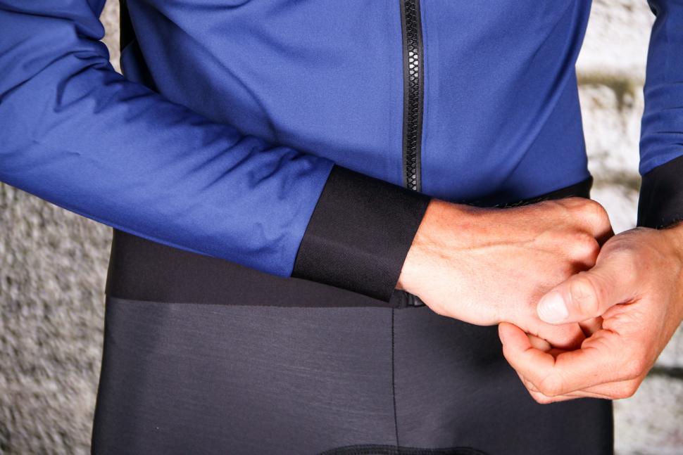 Sportful Fiandre Pro Jacket - cuff detail.jpg