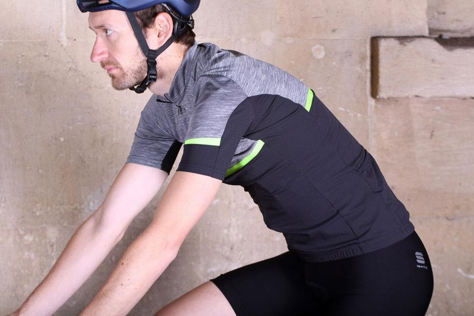 Sportful Giara jersey - riding.jpg