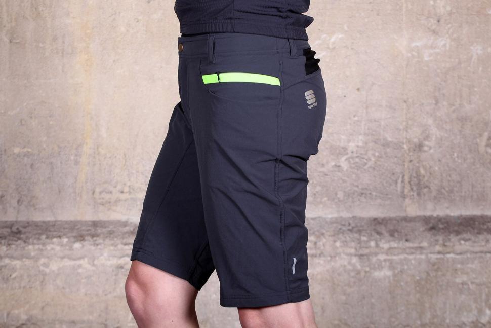 Sportful Giara Over Shorts - side.jpg