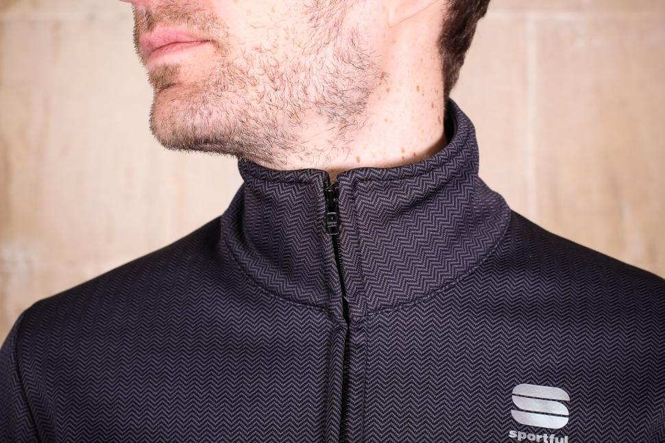 Sportful Giara Softshell jacket - collar.jpg