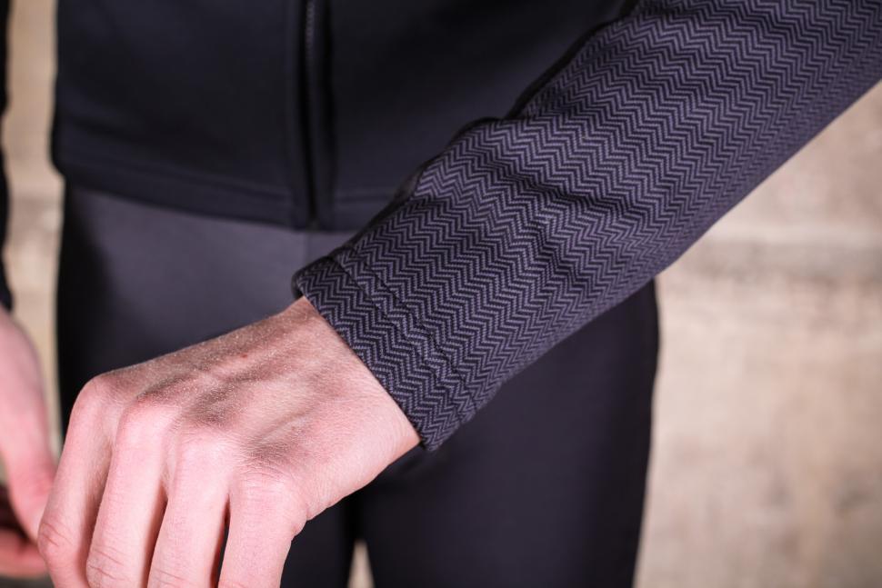 Sportful Giara Softshell jacket - cuff.jpg