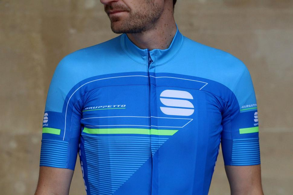 Sportful Gruppetto Pro Ltd jersey - chest.jpg