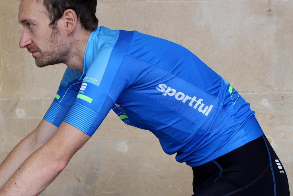Sportful Gruppetto Pro Ltd jersey - riding.jpg