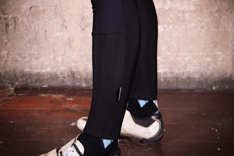 Sportful Luna Bibtight - ankle.jpg