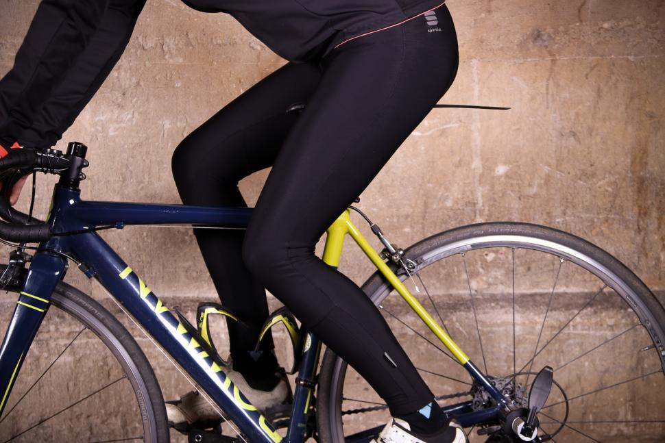 Sportful Luna Bibtight - riding.jpg