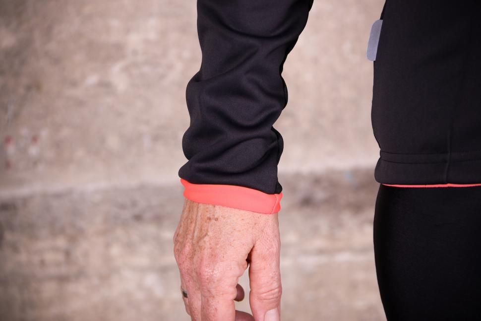 Sportful Luna Softshell Jacket - cuff.jpg