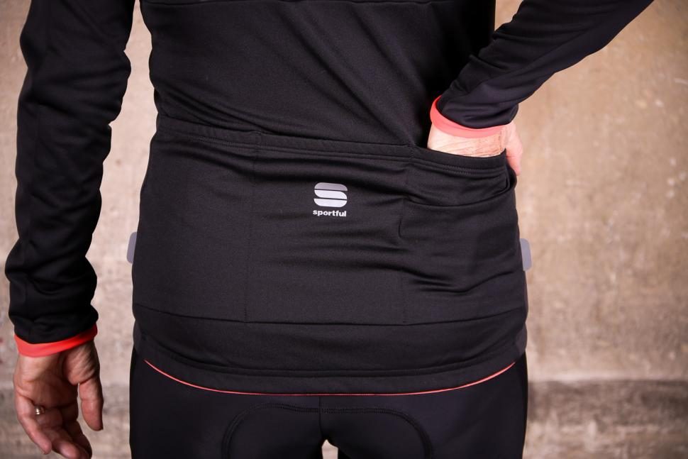 Sportful Luna Softshell Jacket - pocketsa.jpg