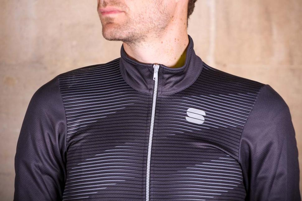 Sportful Moire Thermal Jersey - chest.jpg