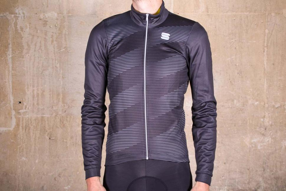 Review  Sportful Moire Thermal Jersey  66fe7a6e5