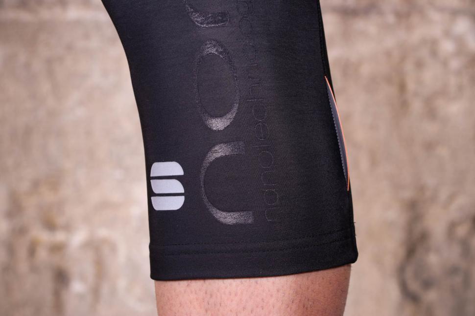 Black Sportful No-Rain Knee Warmers L