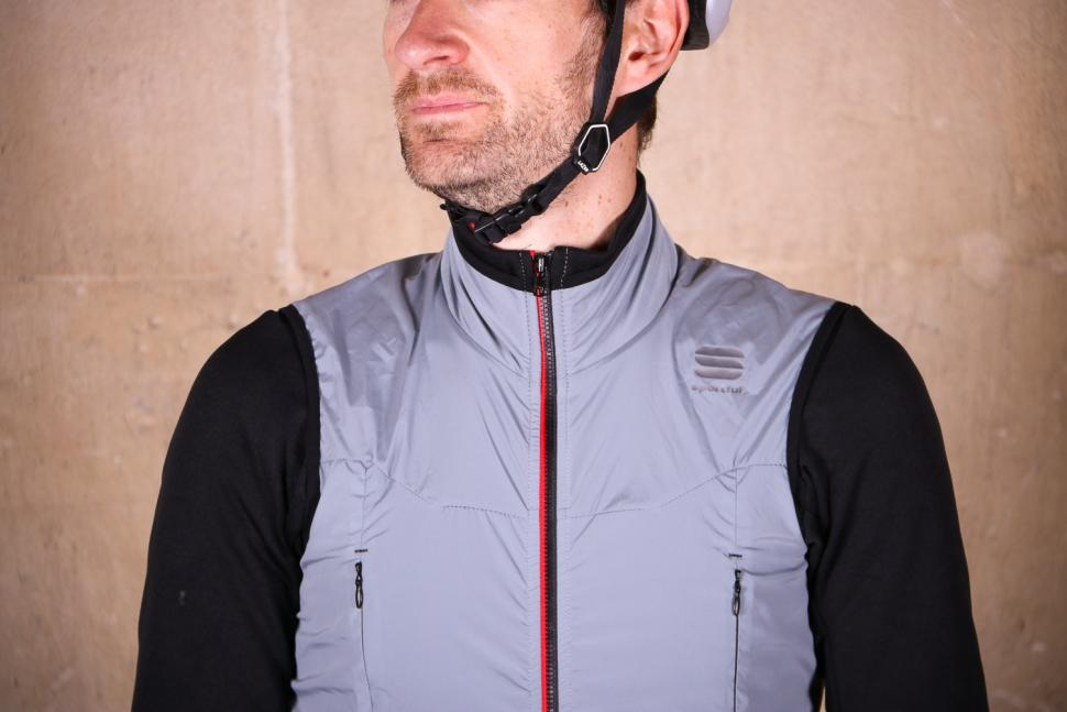 Sportful R&D Strato Top - chest.jpg