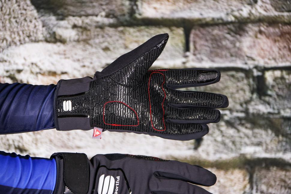 Sportful Sotto Zero glove - palm.jpg