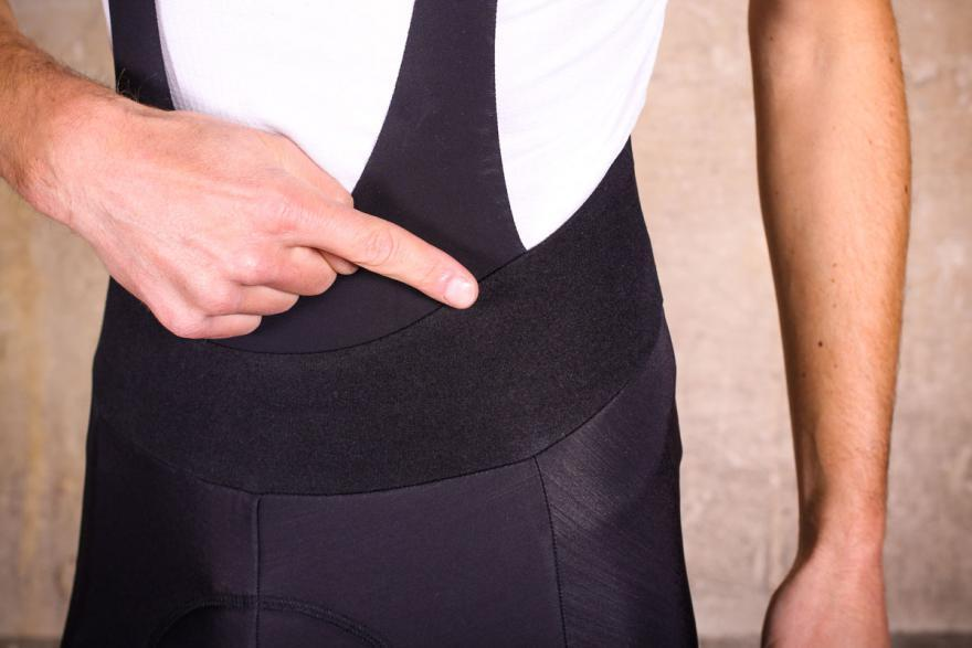 sportful-total-comfort-bib-tight-material.jpg