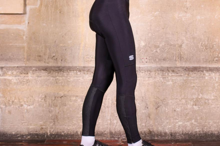 sportful-total-comfort-bib-tight-side.jpg