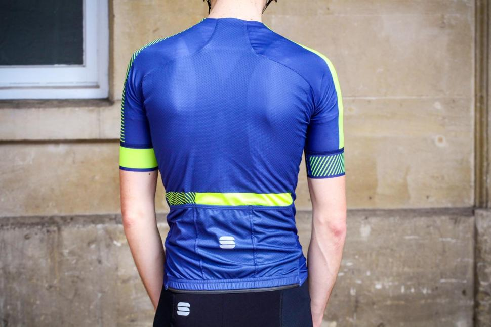 sportful_bodyfit_evo_jersey_-_back.jpg