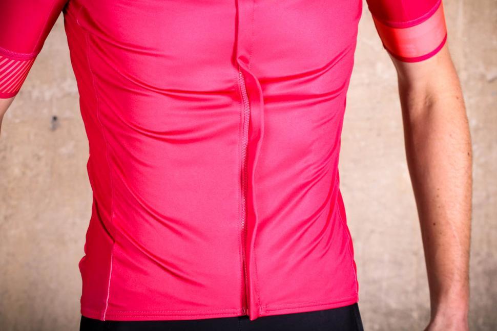 sportful_bodyfit_pro_classic_jersey_-_wind_flap.jpg