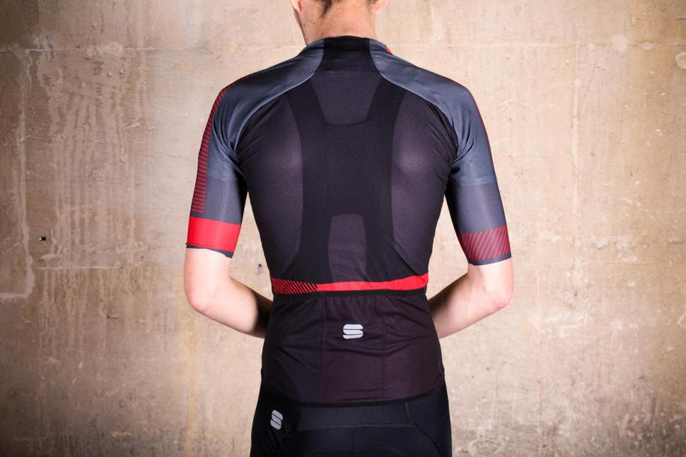 sportful_bodyfit_pro_light_jersey_-_back.jpg
