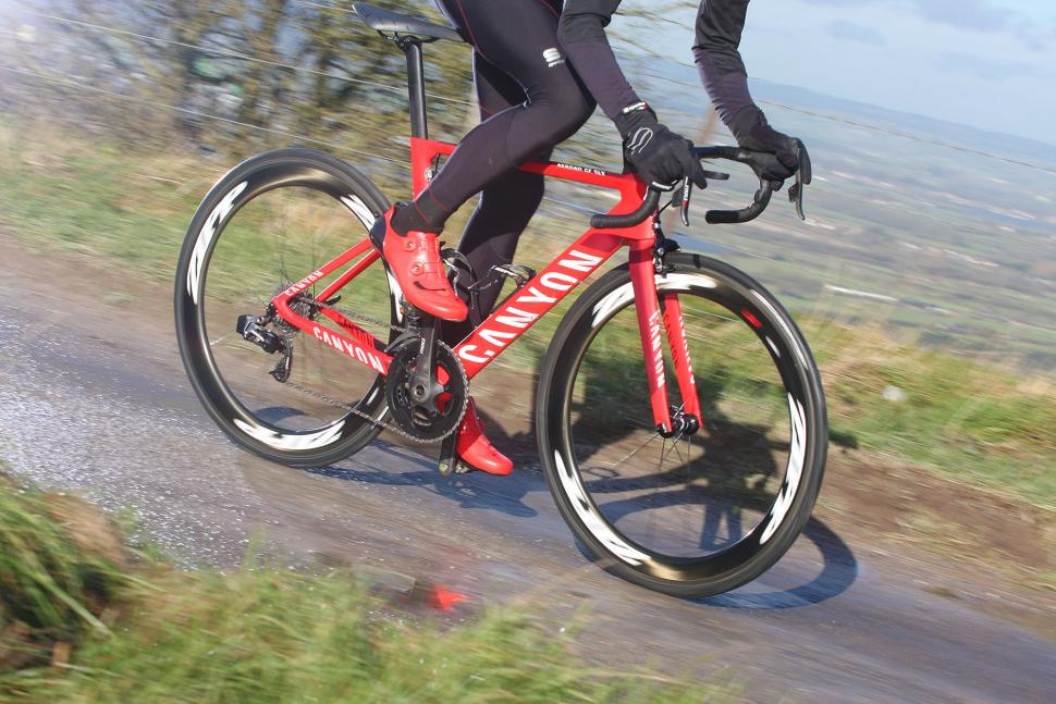 SRAM Red eTap - riding 1.jpg