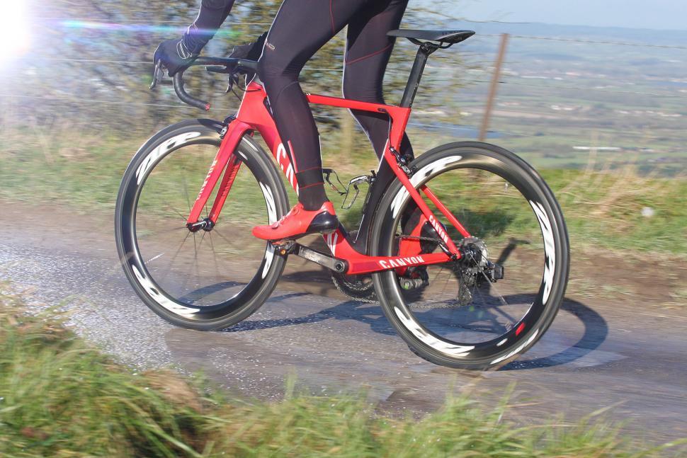 SRAM Red eTap - riding 2.jpg