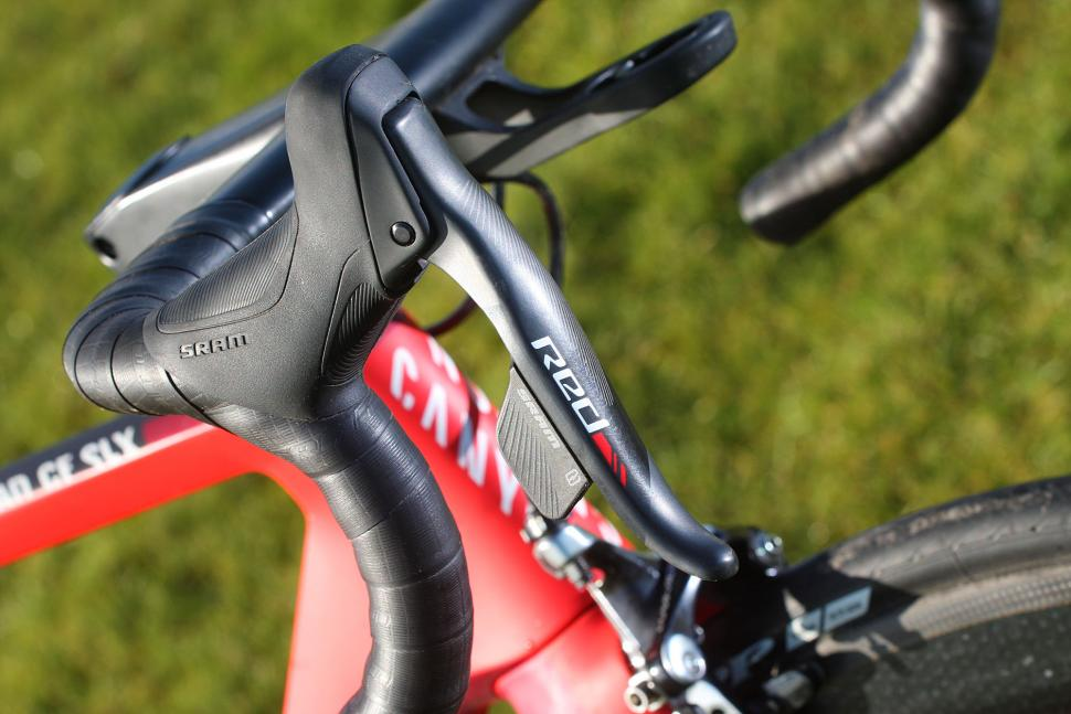 SRAM Red eTap - shifter.jpg