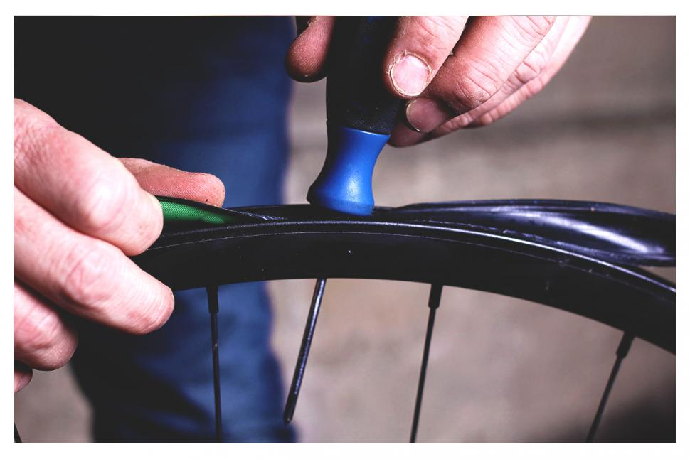 How to fit a tubeless tyre — step 7.jpg
